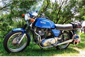 1973 Norton Commondo 750 核戰倖存者