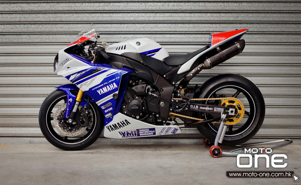 2014 YAMAHA YZF-R1 factory racing team