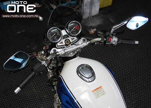 了大量电单车及汽车书藉   西风750和亚明多前曾接受编者访问,是一图片