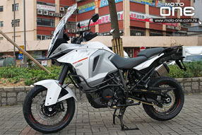 2015 KTM 1290 SUPER DUKE ADVENTURE
